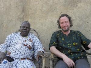 Cinq semaines au Burkina Faso 2 avec-arche-300x225